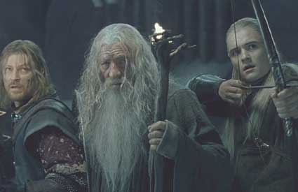 Lord of the Rings: The Fellowship of the Ring: Boromir, Gandalf and Legolas anticipate the appearance of the Balrog.