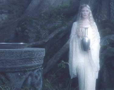 Lord of the Rings: The Fellowship of the Ring: Galadriel invites Frodo to look into the future.