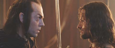 Lord of the Rings: The Return of the King: Elrond presents Aragorn with And�ril - Flame of the West.