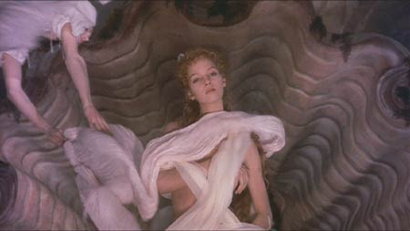 The Adventures of Baron Munchausen: I love the way Venus dresses!  I need service like this�