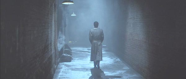 Fright Night: Dandrige pursues Evil Ed down the proverbial dark alley.  Great leather coat, by the way.