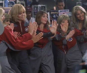 Galaxy Quest: Gwen's fans at the Galaxy Quest Convention