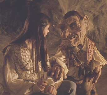 Labyrinth: Hoggle promises to help Sarah get through the labyrinth to find her brother.