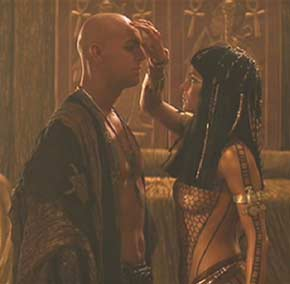 The Mummy (1999): The forbidden love of Lord Imhotep and Anck Su Namun