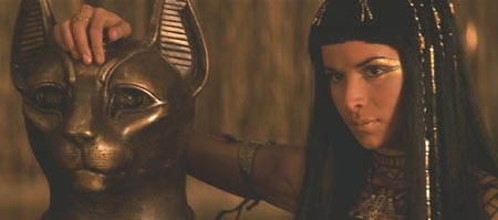 The Mummy (1999): Anck Su Namun pets the Kitty� and faces the Pharaoh.