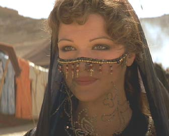 The Mummy (1999): Evie's going native.