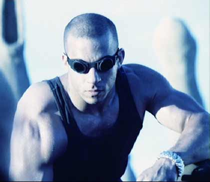 Pitch Black: Riddick lurking near the scene of Zeke's death. Is  Vin Diesel  hot or what?!
