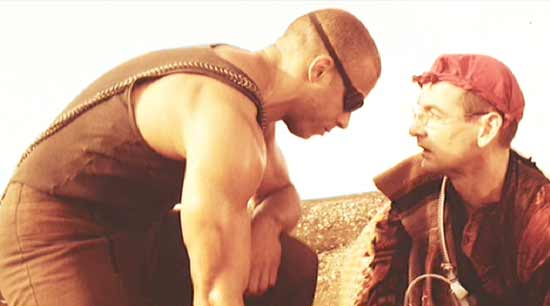 Pitch Black: Paris (Lewis Fitz-Gerald) encounters Riddick for the first time.