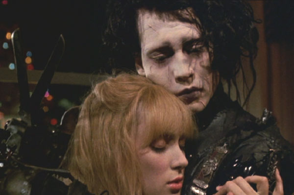 Edward Scissorhands: Kim and Edward embrace.