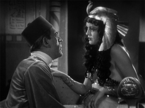 The Mummy (1932): Im-ho-tep has drawn Helen to the museum and awakened the spirit of Anck-es-en-Amon within her. He asks her to die and be resurrected to spend eternity with him.