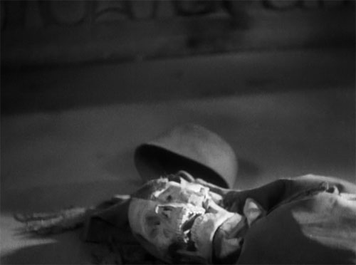 The Mummy (1932): Im-ho-tep's final fate.